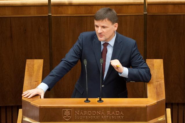 Na snímke poslanec Alojz Hlina (KDH)