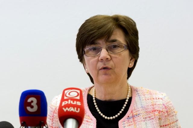 Na snímke riaditeľka odboru volieb, referenda a politických strán Ministerstva vnútra SR Eva Chmelová