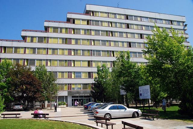 Budova Fakulty elektrotechniky a informatiky Slovenskej technickej univerzity v Bratislave