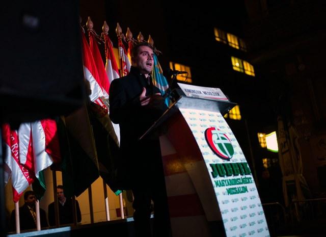 Na snímke prejav predsedu Jobbiku Gábora Vonu