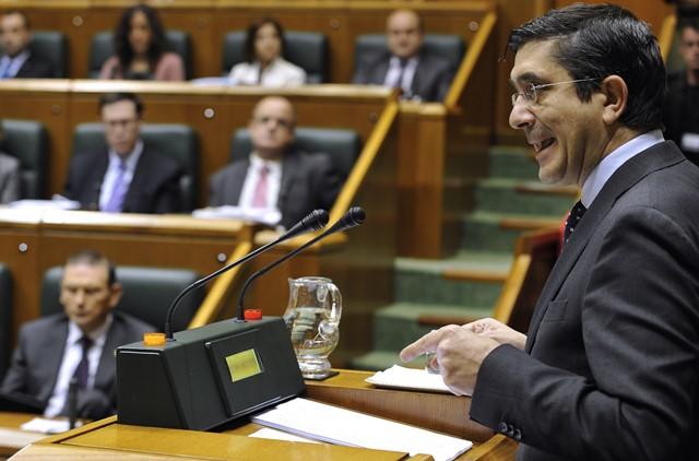 Na snímke Patxi López