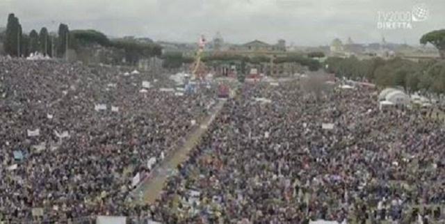 Dvojmiliónový dav dnes protestoval proti zákonu, ktorý zavádza nové formy rodín