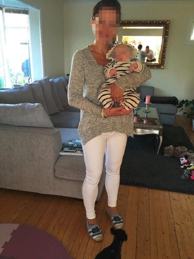 Na snímke česká mamička s dieťaťom, ktoré jej odobrala nórska sociálna služba