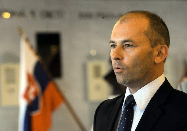 Na snímke poslanec SDKÚ-DS Ľudovít Kaník