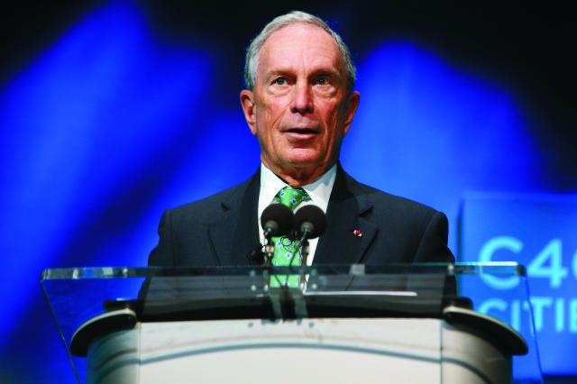 Na archívnej snímke bývalý starosta New Yorku Michael Bloomberg