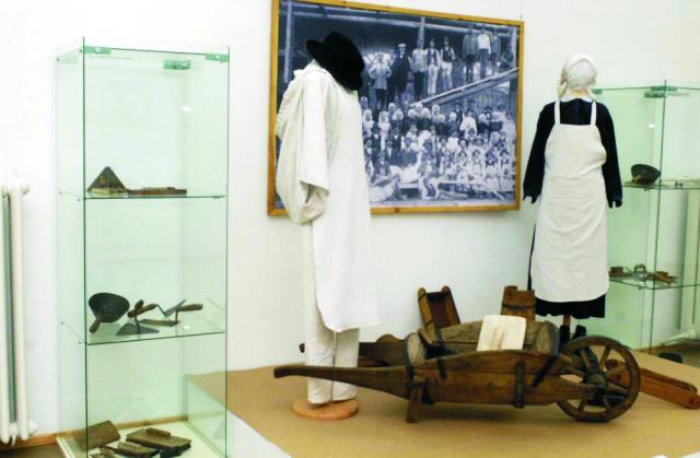 V Slovenskom národnom múzeu v Martine je do konca februára otvorená výstava predmetov a dokladov, ktoré používali liptovskí murári pri výstavbe Budapešti
