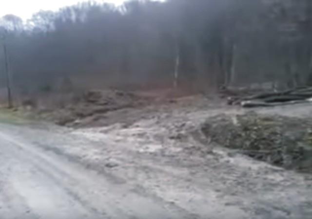 Do Ruskej Poruby vokrese Humenné priviezli 22. decembra nákladné autá, buldozér