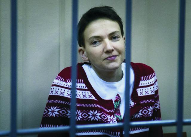 Ukrajinská pilotka a poslankyňa Nadija Savčenková