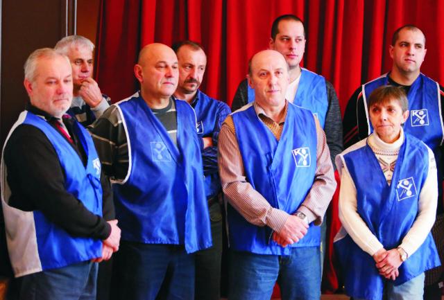 Na snímke zamestnanci PPS Group, a.s. Detva počas tlačovej konferencie o štrajku v PPS Group, a.s. Detva 28. januára 2016 v Detve
