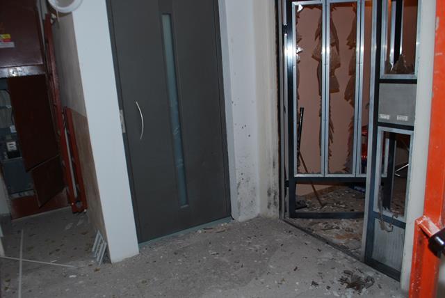 Na snímke miesto po jednom z výbuchov