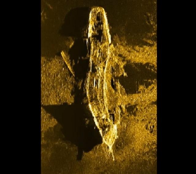 Sonárna snímka objavenej starej potopenej lode z prelomu 19. storočia v hĺbke 3,7 km v Indickom oceáne