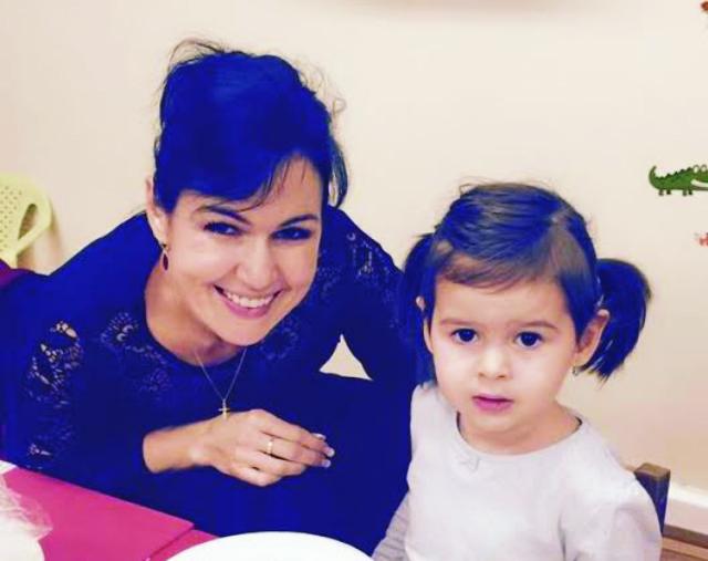 Na snímke Nataša Žembová s dcérou