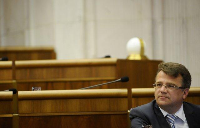 Na snímke exminister zdravotníctva a súčasný člen Výboru NR SR pre zdravotníctvo Ivan Uhliarik (KDH)