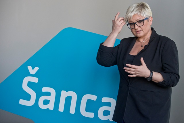 Na snímke predsedníčka mimoparlamentnej strany Šanca Eva Babitzová
