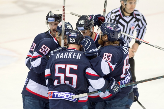 Na snímke hokejisti Slovana Bratislava