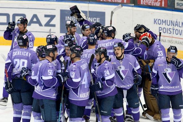 Na snímke radosť hráčov Slovana po víťazstve v predĺžení v hokejovom stretnutí KHL HC Slovan Bratislava - Dinamo Riga