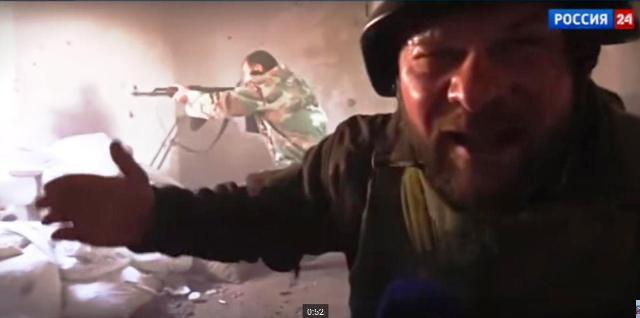 Štáb ruskej televíznej stanice VGTRK nakrúcal svoju reportáž počas bojov a po oslobodení mesta