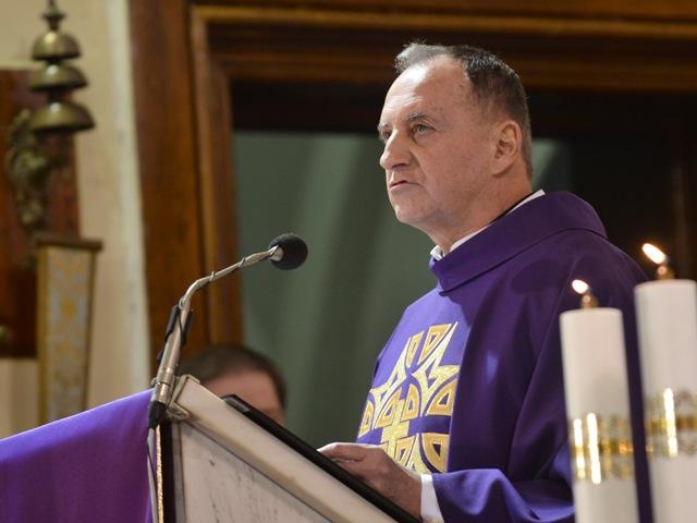 Na snímke rímskokatolícky kňaz Ján Sucháň