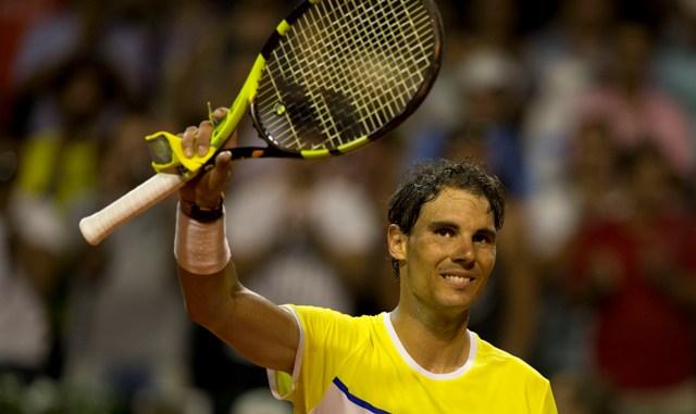 Španielsky tenista Rafael Nadal sa raduje po víťazstve 6:4, 6:4 nad Argentínčanom Juanom Monacom v 2. kole dvojry mužov na turnaji ATP v Buenos Airese