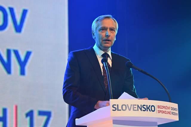 Na snímke predseda Kresťanskodemokratického hnutia (KDH) Ján Figeľ