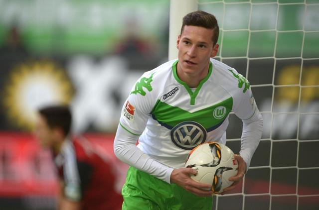 Na snímke futbalista Wolfsburgu Julian Draxler
