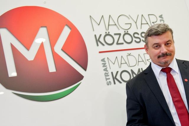 Na snímke predseda strany Strany maďarskej komunity (SMK) József Berényi