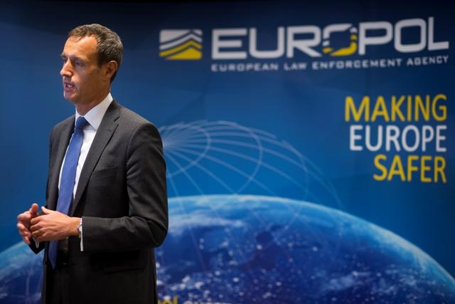 Na snímke riaditeľ európskeho policajného úradu Europol Rob Wainwright