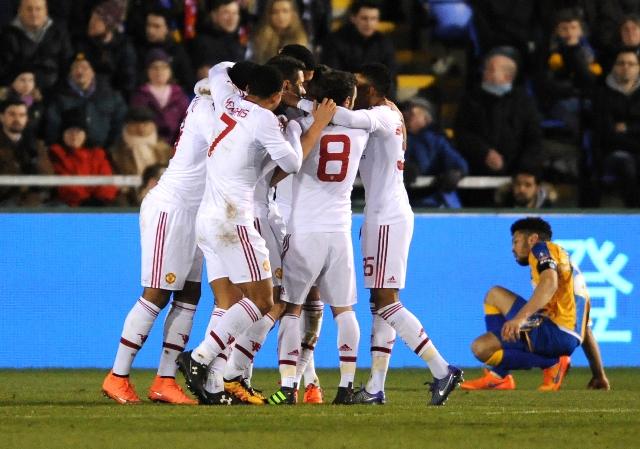 Futbalisti Manchesteru United sa tešia po strelení gólu v 5. kole FA Cupu   Shrewsbury Town - Manchester United