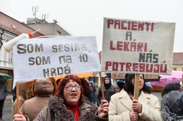 Snímka z protestného zhromaždenia sestier vo výpovediach
