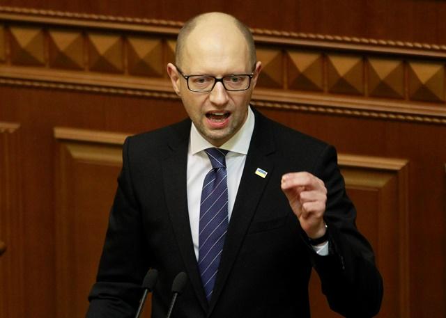 Na snímke premiér Arsenij Jaceňuk