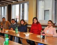 Na snímke skupina asýrskych presídlencov