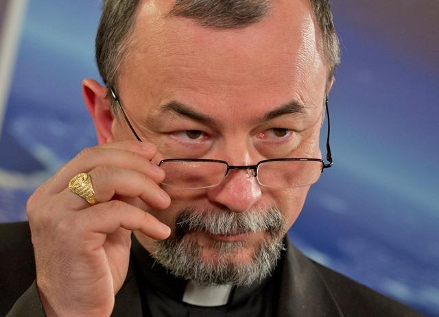 Na snímke arcibiskup a sekretár Kongregácie pre východné cirkvi Mons. Cyril Vasiľ