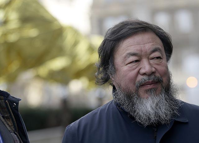 Na snímke čínsky aktivista a umelec Aj Wej-wej
