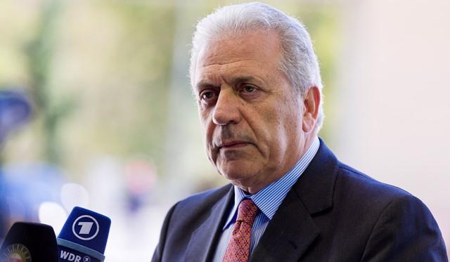 Na snímke komisár EÚ pre migráciu a občianstvo Dimitris Avramopulos