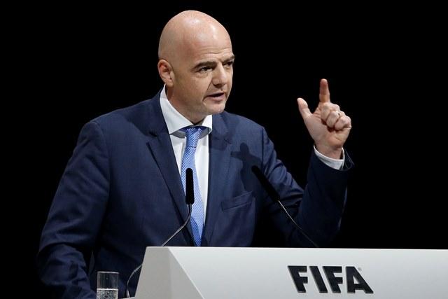 Na snímke kandidát na post prezidenta FIFA a generálny sekretár Európskej futbalovej únie (UEFA) Gianni Infantino