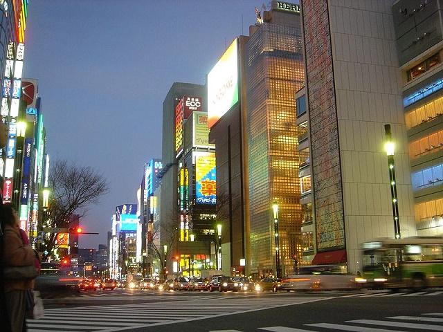 Ginza v časti Tokia  patrí medzi najluxusnejšie nákupné destinácie na svete