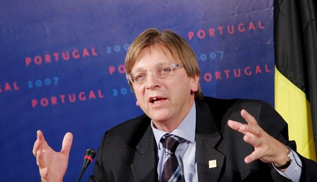 Na snímke bývalý belgický premiér a líder politickej skupiny liberálov v Európskom parlamente (ALDE) Guy Verhofstadt