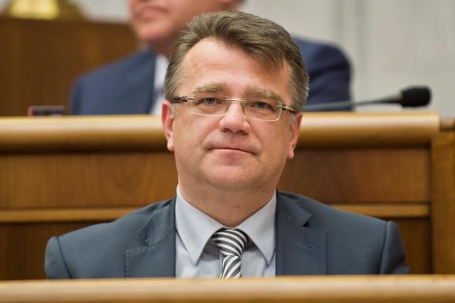 Na snímke poslanec za KDH Ivan Uhliarik