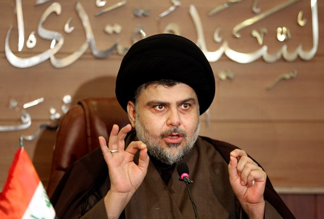 Na snímke šiitský duchovný Muktada as-Sadr