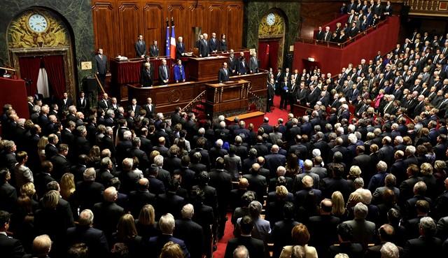 Na snímke poslanci francúzskeho parlamentu