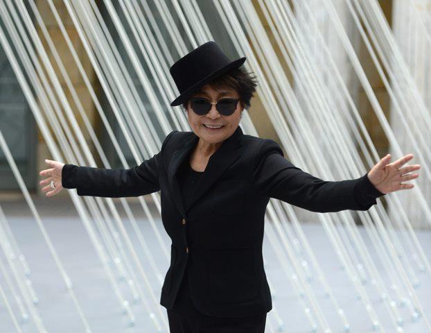 Na snímke japonsko-americká hudobníčka a výtvarná umelkyňa Yoko Ono