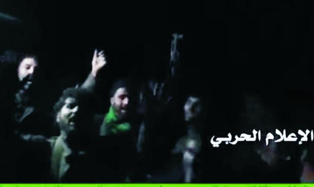 Pretrhli blokádu, spojili sa a pobratili sa vojaci troch vojenských skupín, ktorí v Sýrii bojujú proti DAÉŠ-u