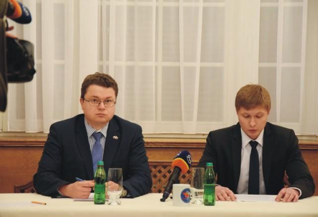 Na snímke  vpravo Alexej Kulagin  a  Dmitrij Vaščenko