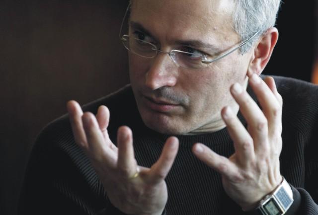 Na archívnej snímke Michail Chodorkovskij