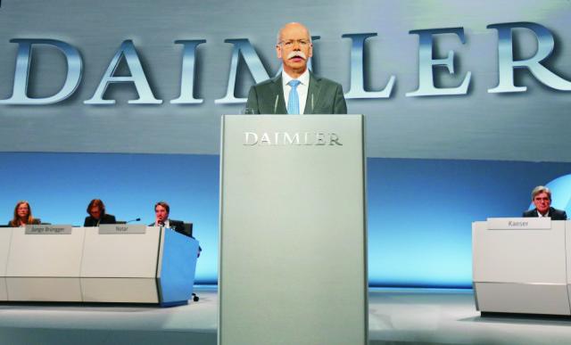 Na archívnej šéf nemeckej automobilky Daimler Dieter Zetsche