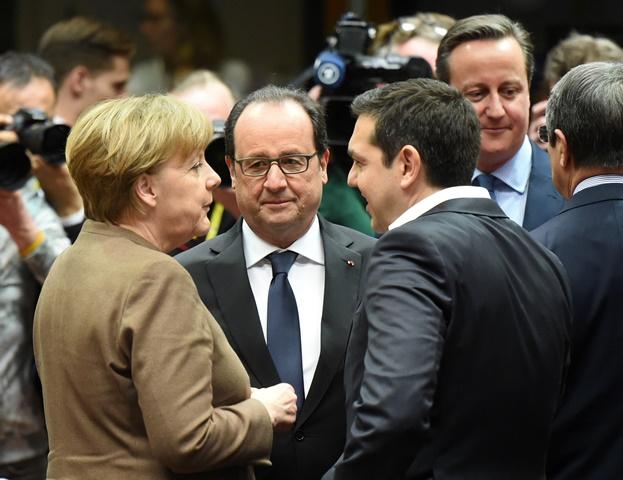 Na snímke zľava nemecká kancelárka Angela Merkelová, francúzsky prezident Francois Hollande, grécky predseda vlády Alexis Tsipras a britský premiér David Cameron