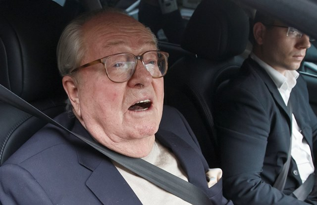Na snímke Jean-Marie le Pen, bývalý šéf Francúzskeho ultrapravicového Národného frontu (FN)