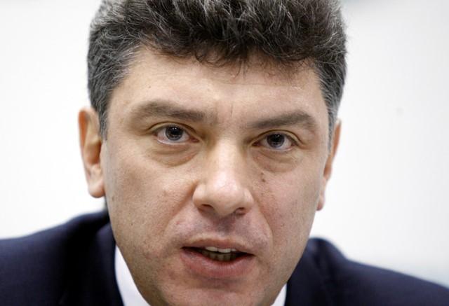 Na snímke z roku 2007 Borisa Nemcov