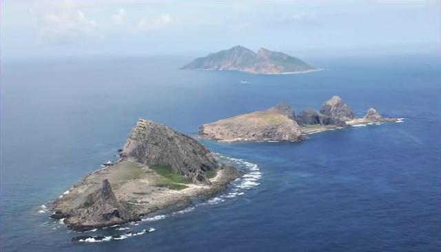 Záber na sporné ostrovy Senkaku