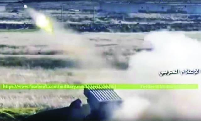 Na videosnímke je zachytený boj sýrskej armády, kurdských jednotiek a ozbrojencov Sýrskych demokratických síl, ktoré oslobodzujú mestá a dediny v provincii Aleppo